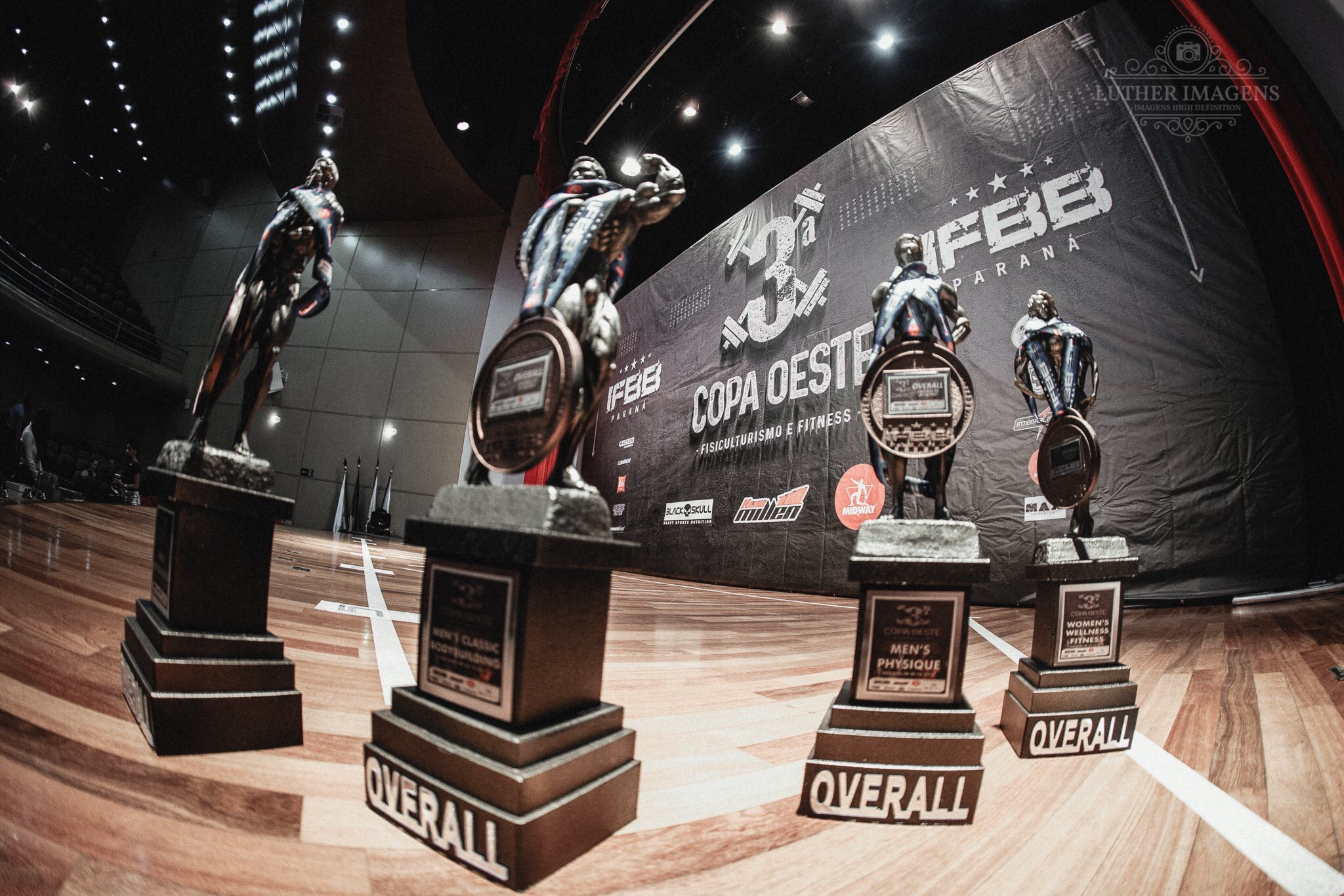 Overall trophies for IFBB Paraná