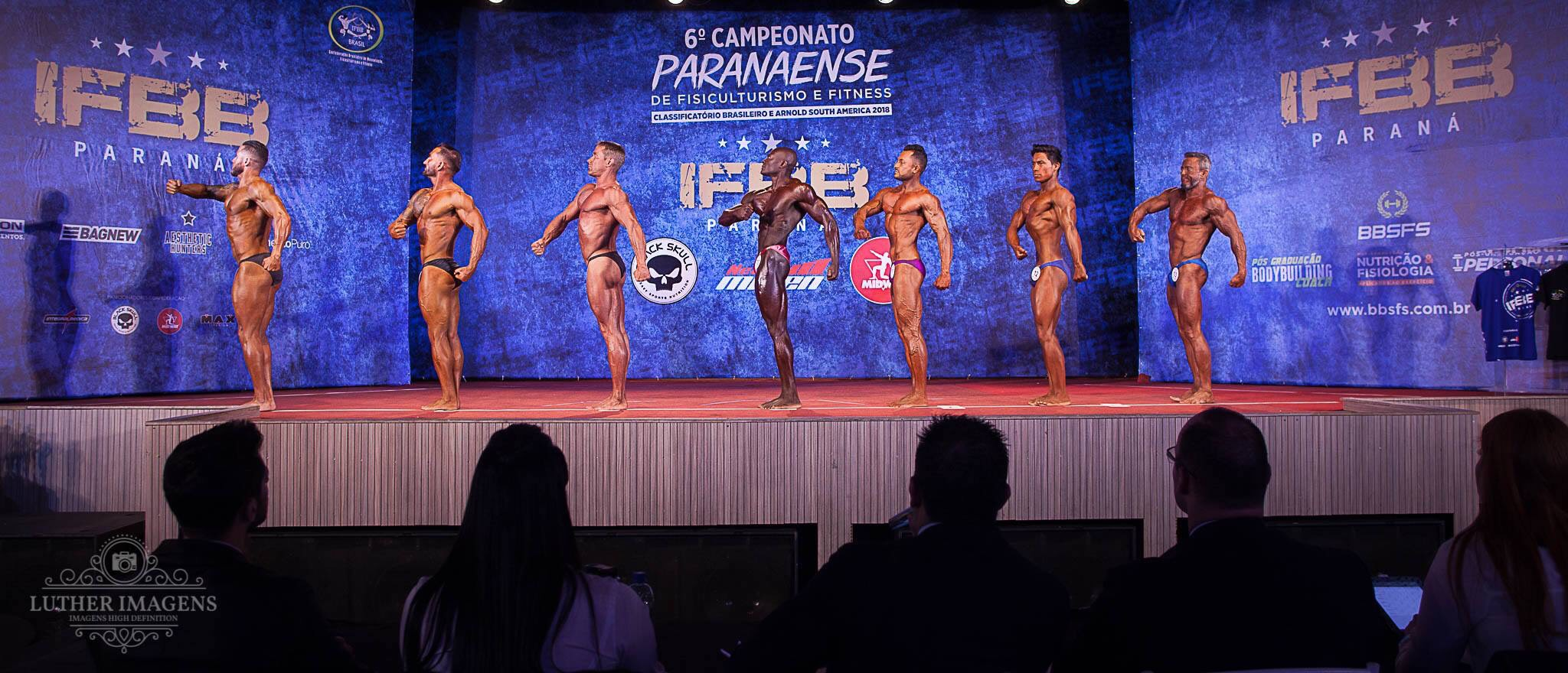 Female athletes at IFBB Paraná Brasil sponsored by midway labs